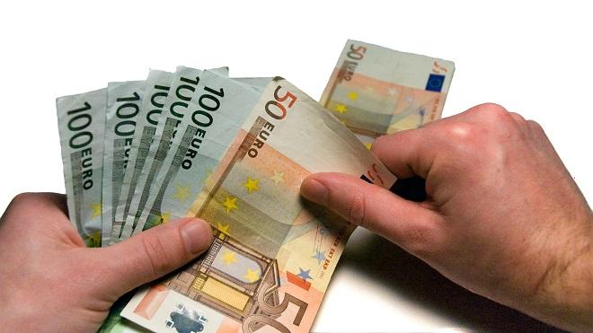 Come-risparmiare-10000-ed-avviare-la-propria impresa